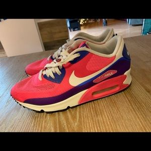 Nike Shoes - Nike Air Hyperfuse Athletic Shoes Size 10